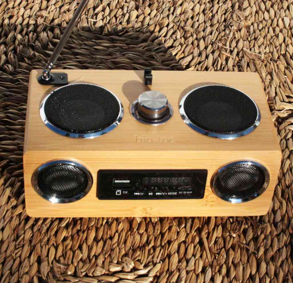 Radio de Bambú Multifuncional