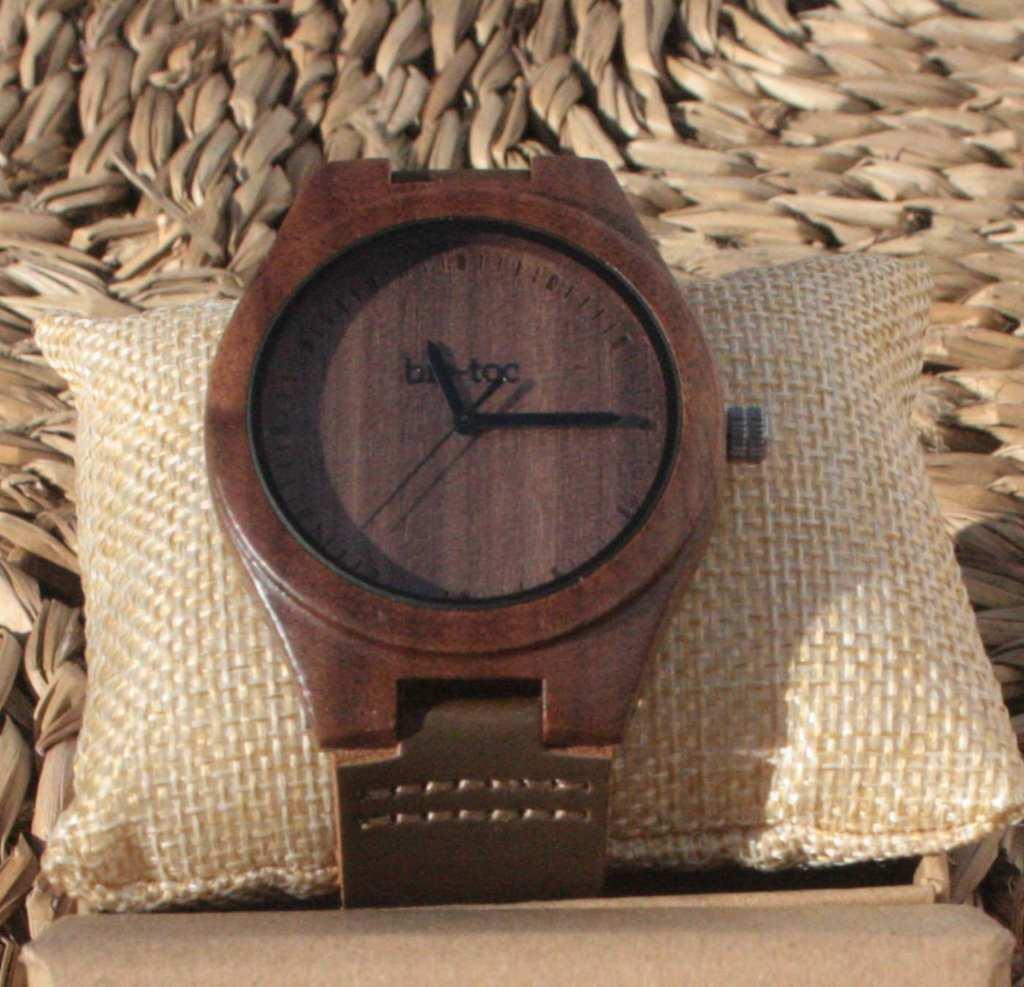 reloj de madera indiana hombre 4