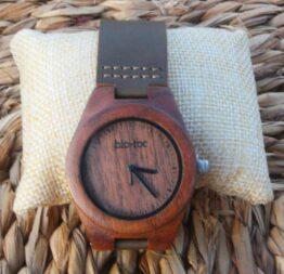 reloj de madera indiana mujer 1