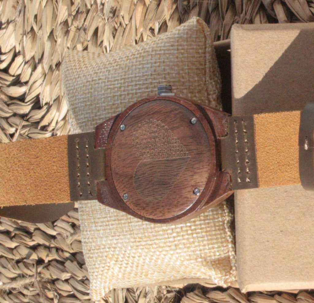 reloj de madera indiana mujer 4